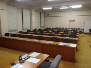 委員会の議員席